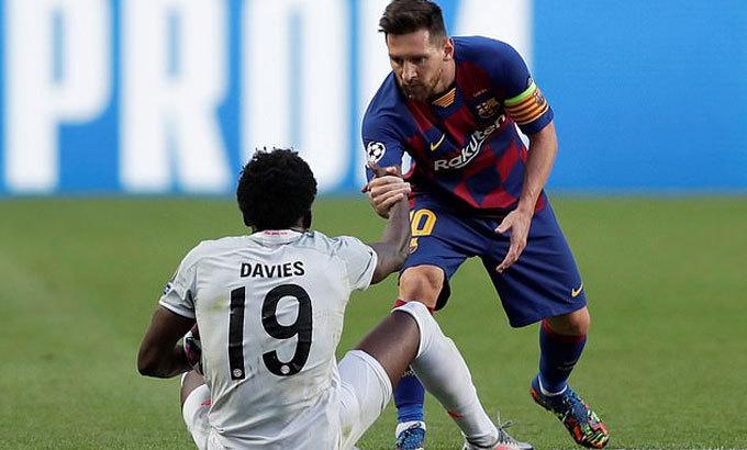 Messi và Barca chịu trận thua muối mặt trước Bayern ở tứ kết. Ảnh: Reuters.