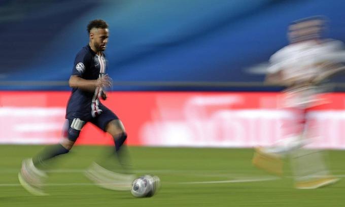 Qua sáu trận đấu tại Champions League mùa này, Neymar ghi ba bàn, kiến tạo bốn bàn khác. Ảnh: AP.
