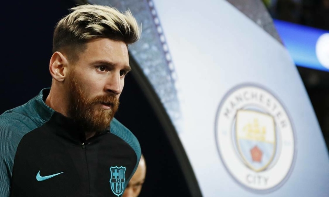 Messi đang hưởng đãi ngộ tốt nhất thế giới ở Barca, nên Man City sẽ phải đảm bảo ít nhất mức đãi ngộ tương đương, nếu mời anh về sân Etihad. Ảnh: Reuters.