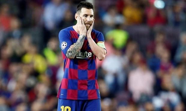 Làm mọi cách để rời Barca nhưng Messi đang dần ở thế bất lợi. Ảnh: AMA.