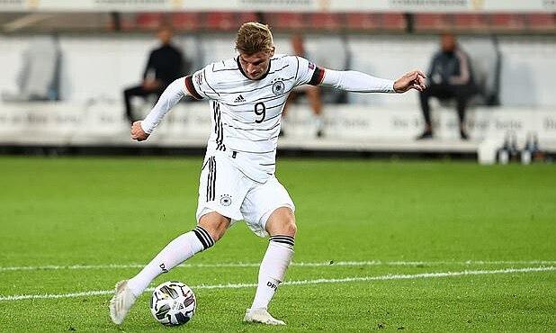 Werner dứt điểm mở tỷ số ở phút 51. Ảnh: Reuters