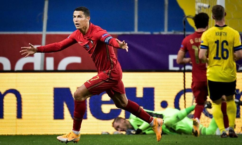 Ronaldo: 'Kỷ lục tự nhiên đến với tôi' Ronaldo-1599610489-1467-1599610551