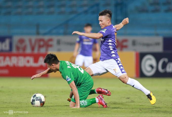 Quang Hải có một kiến tạo và hai bàn thắng trong chiến thắng 7-0 trước Cần Thơ tại tứ kết Cup Quốc gia. Ảnh:Lâm Thoả
