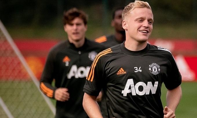 Van de Beek tập luyện cùng các đồng đội mới tại Man Utd. Ảnh: Man Utd.