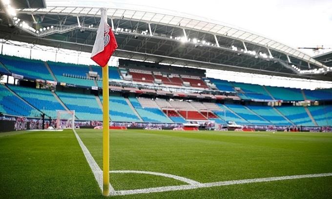 Những khán đài vắng khán giả khiến bóng đá thiệt hại hàng chục tỷ USD trong năm nay. Ảnh: Reuters.