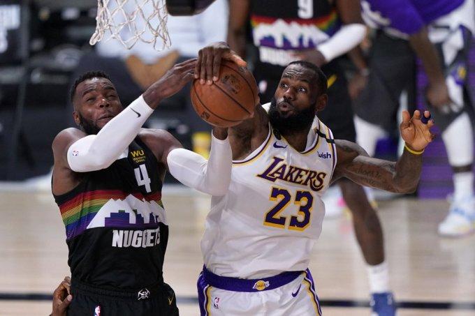 Denver Nuggets thắng trận thứ tám trong 31 lần gặp LA Lakers tại play-off. Ảnh: AP.
