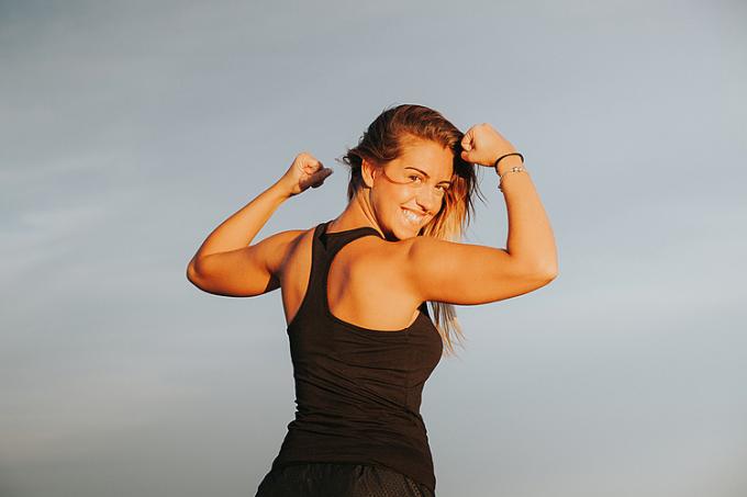 Chạy bộ giúp cơ bắp và xương khớp chắc khỏe, cơ thể dẻo dai.