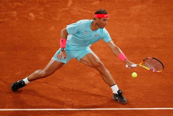 Nadal vào vòng bốn sau khi thắng Stefano Travaglia. Ảnh: AP.