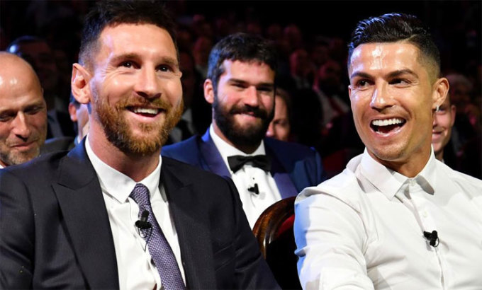 Messi, Ronaldo từng đối đầu liên tục trong giai đoạn 2008-2018, trong màu áo Barca, Man Utd và Real. Ảnh: UEFA.