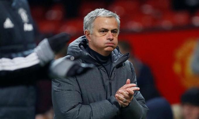 Mourinho sống trong khách sạn, xa gia đình trong suốt thời gian dẫn dắt Man Utd. Ảnh: Reuters