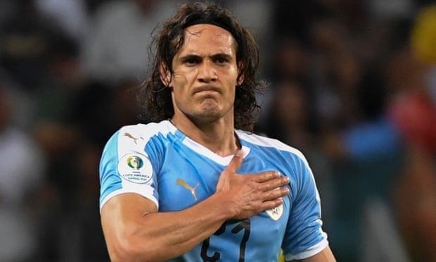Cavani sẽ là tân binh thứ hai của Man Utd trong hè 2020, sau Van De Beek. Ảnh: AFP.