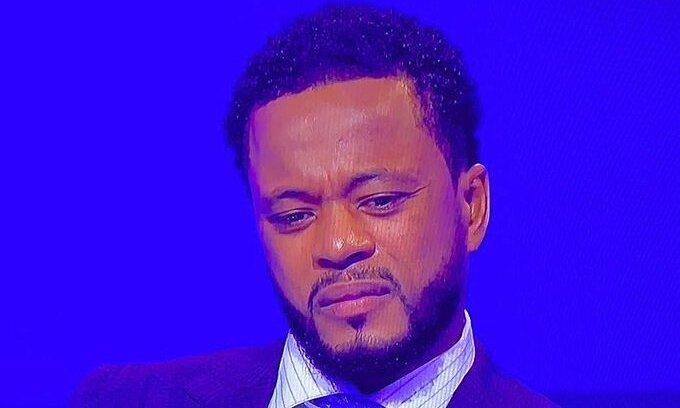 Evra buồn phát khóc trong chương trình bình luận sau trận của Sky Sports. Ảnh chụp màn hình
