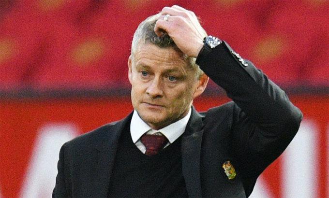 Solskjaer thua cả hai trận đầu trên sân nhà Ngoại hạng Anh 2020-2021, gồm cả trận thua Tottenham 1-6 tối 4/10. Ảnh: Reuters.