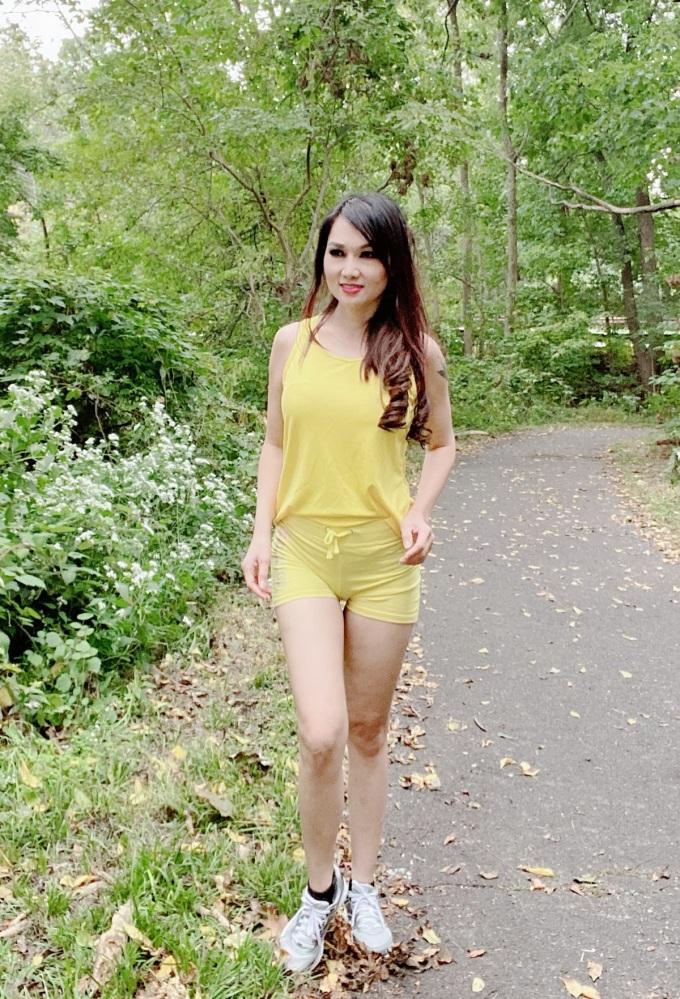 Kavie Trần chú trọng rèn luyện sức khỏe, vận động trong môi truờng lành mạnh, tận hưởng bầu không khí trong lành. Vào cuối tuần, cô thường chạy trong rừng.