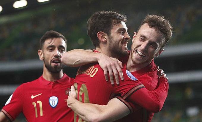 Bồ Đào Nha thắng đậm dù vắng Ronaldo Jota2-1987-1602715047