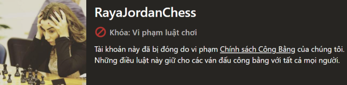 Raya Alnaimat, 31 tuổi, bị cho là gian lận và bị cấm thi đấu ở nền tảng cờ vua Chess.com. Ảnh chụp màn hình