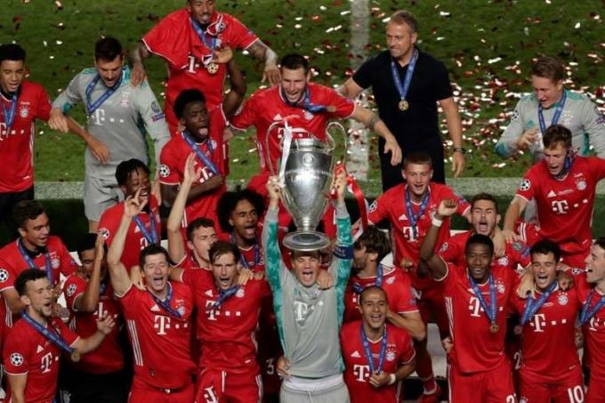 Bayern Munich mừng chức vô địch Champions League 2019-2020. Ảnh: AFP.