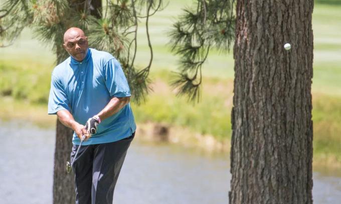 Charles Barkley sẽ thế chỗ Tiger Woods ở The Match kỳ thứ ba. Ảnh: Journal / USA Today