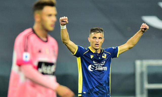 Trận Juventus - Verona hôm 25/10 diễn ra giữa các khán đài trống vắng. Ảnh: Reuters.