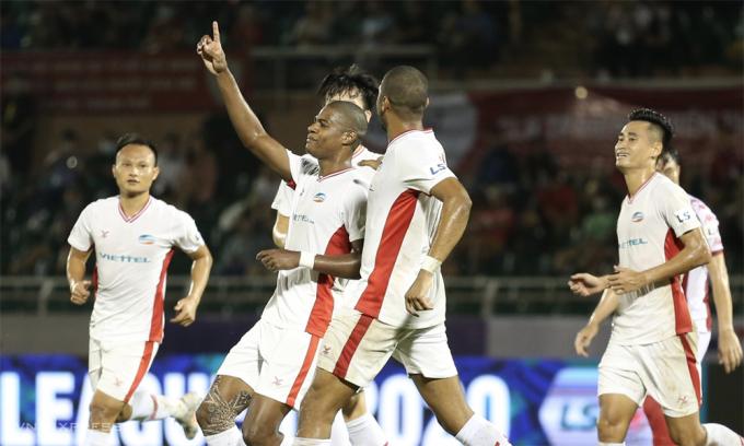 Viettel đang có cơ hội lớn để lần đầu xưng vương ở V-League. Ảnh: Đức Đồng
