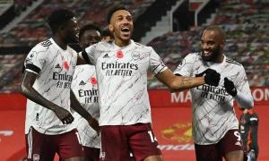Arsenal thắng trên sân Man Utd