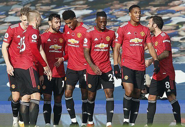 Man Utd hòa một, thua ba trong bốn trận chơi sân nhà ở Ngoại hạng Anh mùa này. Ảnh: AP.