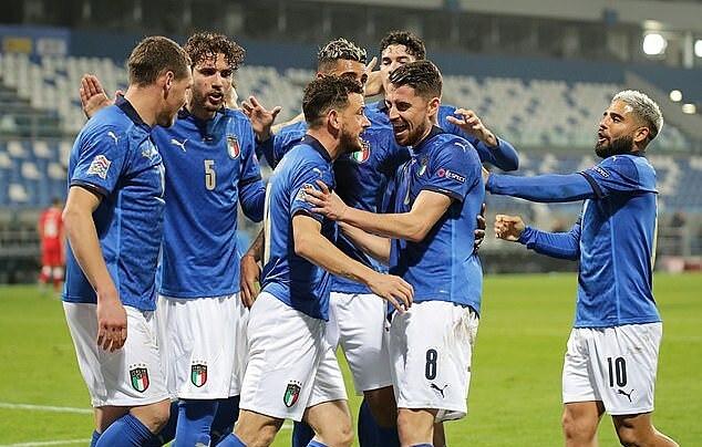 Italy thắng Bosnia 2-0 tối 18/11 và giành quyền vào bán kết Nations League. Ảnh: REX.