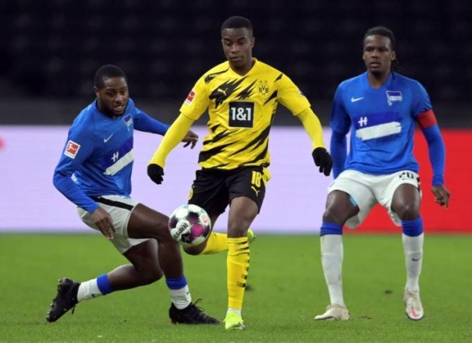 Moukoko chưa thể hiện được nhiều trong ít phút cuối vào sân đấu Hertha Berlin hôm 21/11. Ảnh: AP