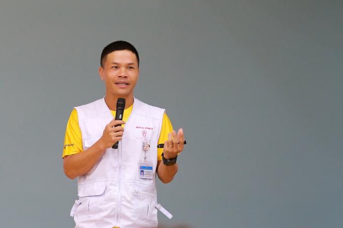 Bác sỹ Vũ Quang Hưng, tổ trưởng tổ y tế của VM Hà Nội Midnight.