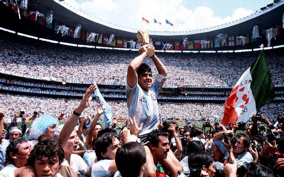 Maradona – người ngoại lệ của túc cầu