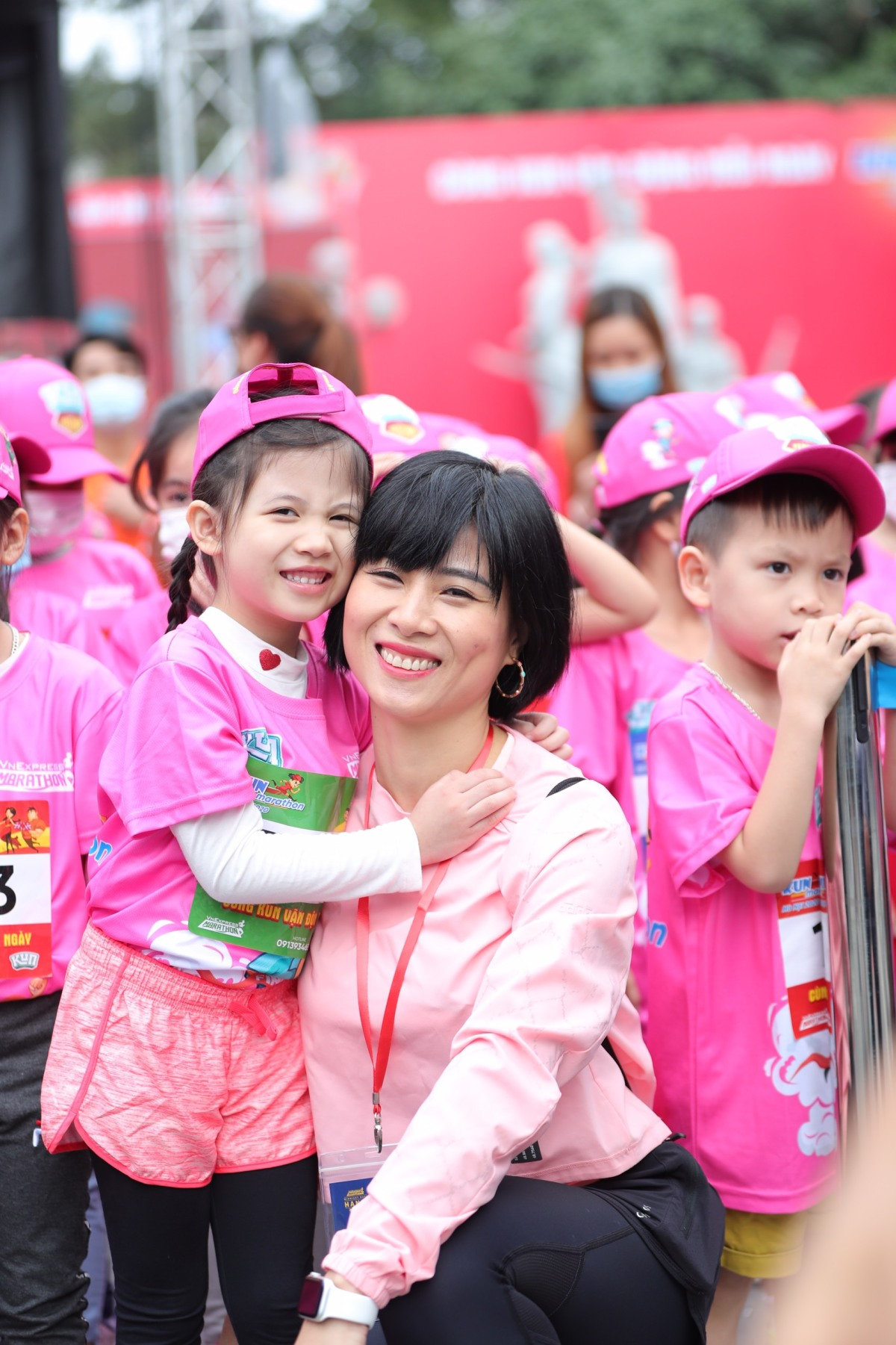 Khoảnh khắc runner nhí chinh phục đường chạy Kun Marathon Hanoi 2020