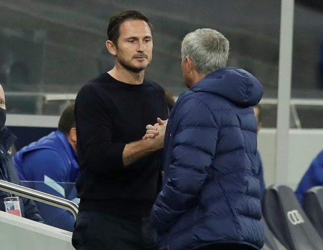 Mourinho thua Lampard trong cả hai lần gặp nhau mùa trước. Ảnh: Reuters.