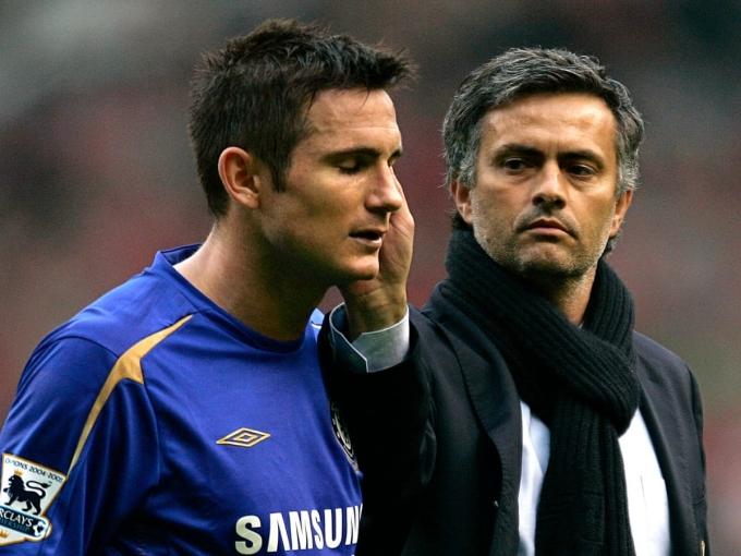 Lampard chịu ảnh hưởng của Mourinho khi còn thi đấu, nhưng khi trở thành HLV, ông đã bắt đầu tạo cho mình những điều khác biệt. Ảnh: EPA.