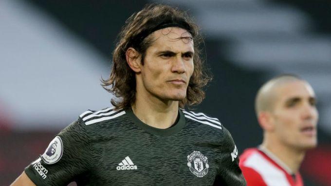 Cavani gặp rắc rối ngay khi vừa bắt đầu tỏa sáng trong màu áo Man Utd. Ảnh: Sky.