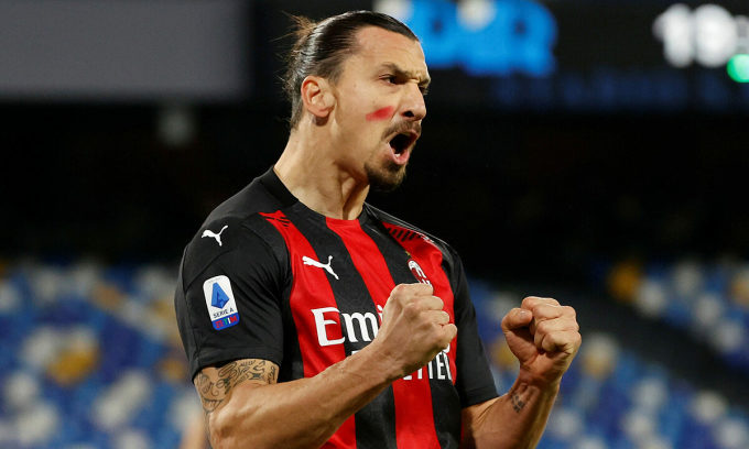 Ibrahimovic chỉ cách bốn bàn so với cột mốc 500 bàn ở cấp độ CLB. Ảnh: Reuters