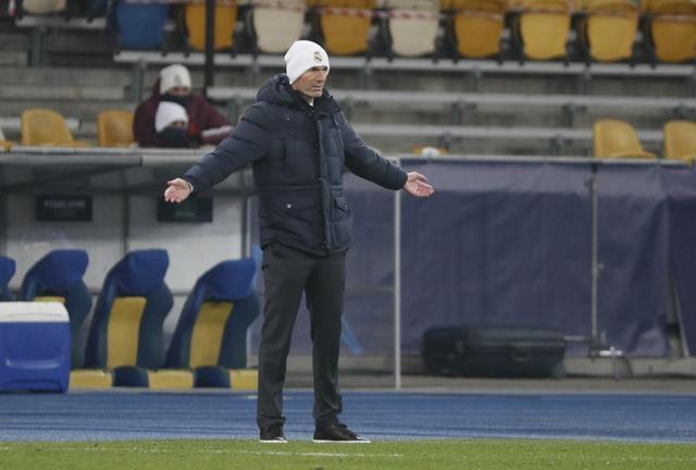 Zidane đang chịu nhiều sức ép vì thành tích không tốt ở Champions League. Ảnh: Reuters.