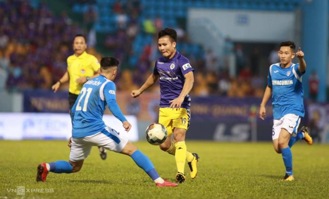 Quảng Ninh thua Hà Nội 0-4 tại Cẩm Phả, kết thúc V-League 2020 với vị trí thứ tư.