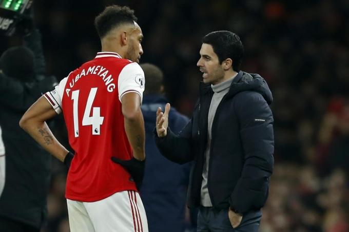 Với vị trí thứ 15 cùng 13 điểm, Arsenal đang có khởi đầu tệ nhất trong kỷ nguyên Ngoại hạng Anh. Ảnh: Goal.