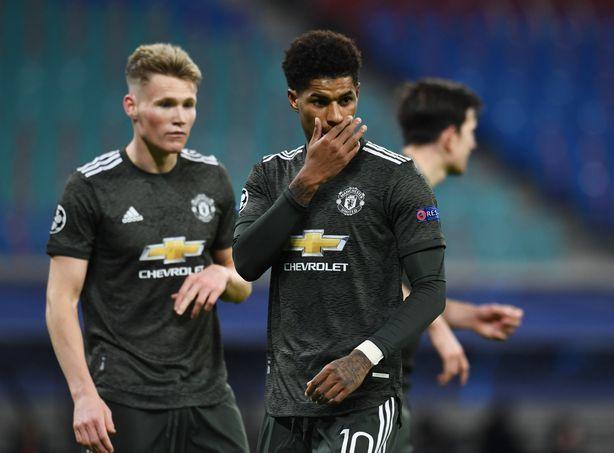 Man Utd thua ba trong bốn trận cuối vòng bảng.