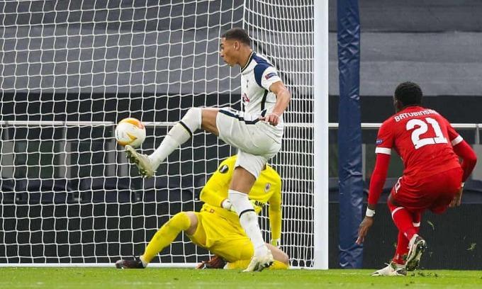 Vinicius ghi ba bàn, kiến tạo ba bàn trong năm trận ở Europa League. Ảnh: REX