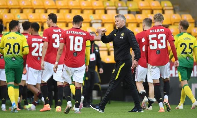 Vào top 4 Ngoại hạng Anh, theo các danh thủ Man Utd như Roy Keane, Gary Neville, là điều mà thầy trò Solskjaer đương nhiên phải làm được. Ảnh: Reuters