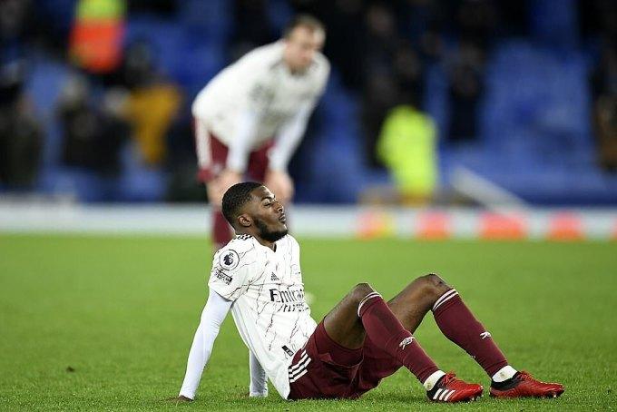 Arsenal vẫn chìm ở vị trí 15, có thể rơi xuống 16 nếu Brighton thắng Sheffield United. Ảnh: Reuters