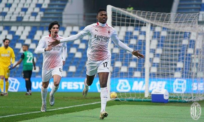 Rafael Leao mừng bàn thắng nhanh nhất lịch sử Serie A. Ảnh: AC Milan