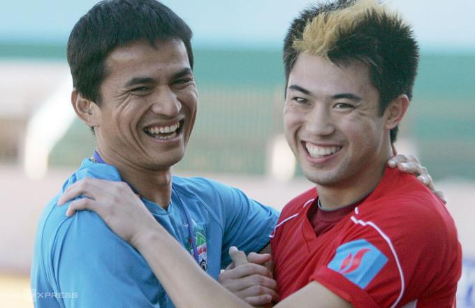 Kiatisuk sắp tái ngộ học trò cũ Lee Nguyễn ở V-League. Ảnh: Đức Đồng.