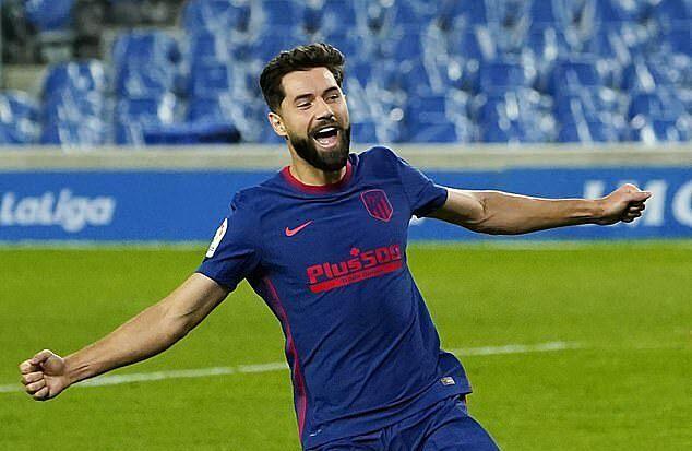 Bàn vào lưới Sociedad là pha lập công đầu tiên của Hermoso ở La Liga, kể từ khi đầu quân cho Atletico. Ảnh: Reuters.