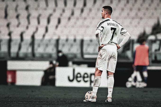Ronaldo thất vọng về cuối trận Juventus thua Fiorentina 0-3 hôm 22/12. Ảnh: Lapresse