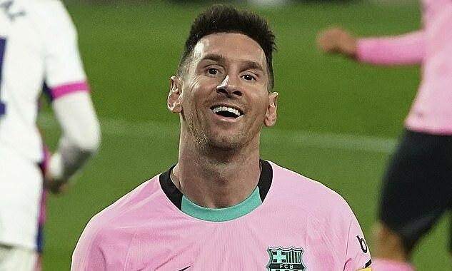 Messi ghi một bàn, kiến tạo một bàn khác trong trận thắng Valladolid 3-0 tối 22/12. Ảnh: AP
