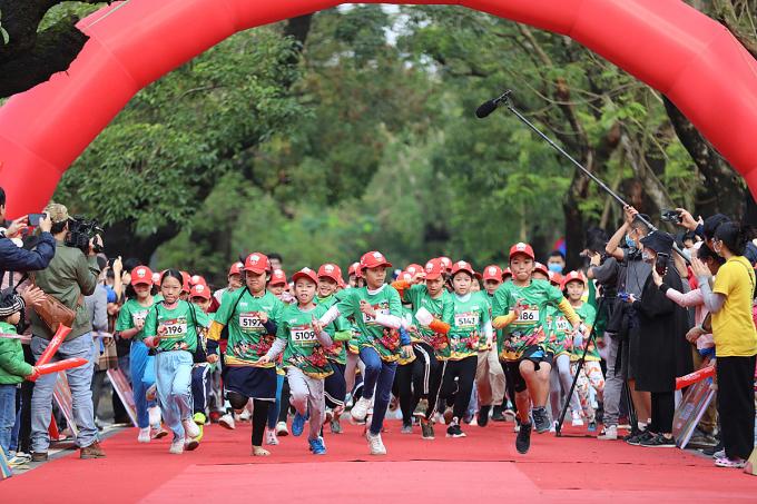 Khai mạc VnExpress Marathon Huế