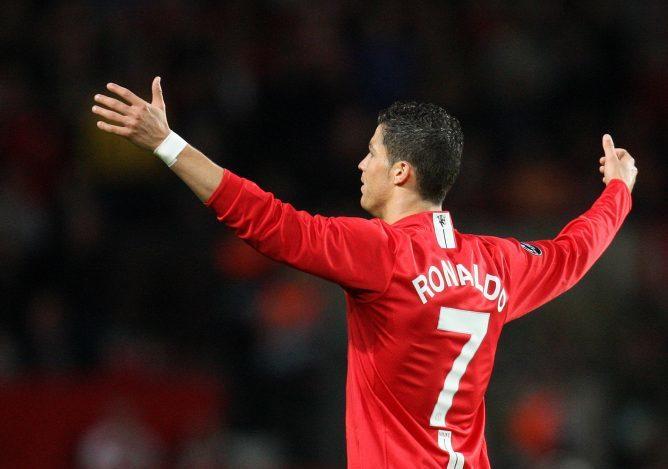 Ronaldo rời Man Utd từ năm 2009, nhưng vẫn là hợp đồng thành công nhất Ngoại hạng Anh. Ảnh: Reuters.