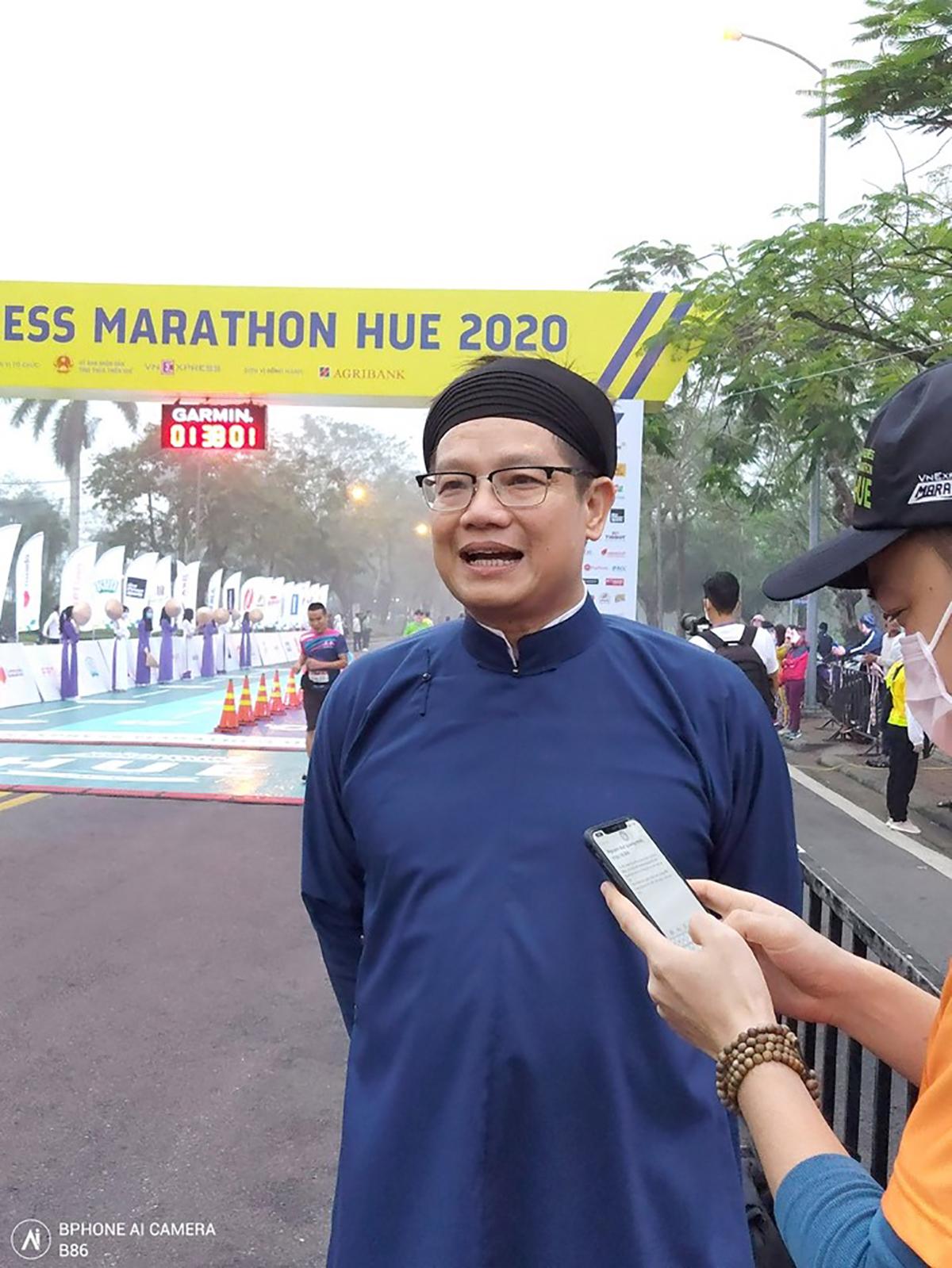 Runner cán đích VM Huế qua góc máy Bphone B86